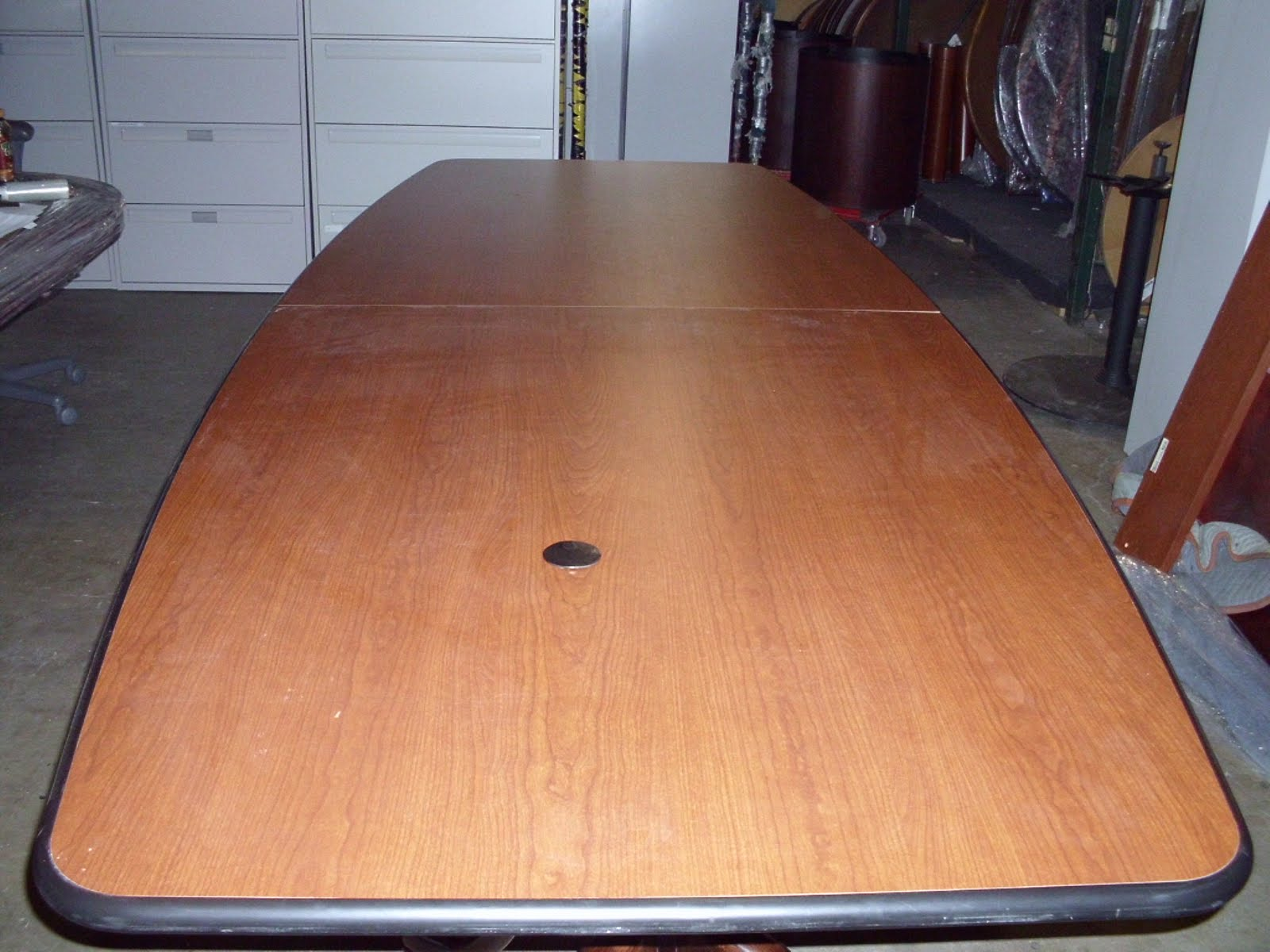 10'x4′ Boatshape Conference Table