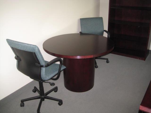 48″ Round Paoli Conf. Table