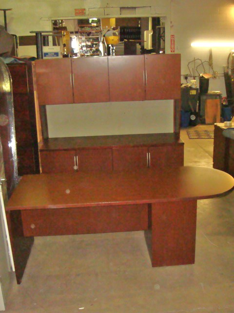 Knoll Bullet Top Desk/credenza/hutch