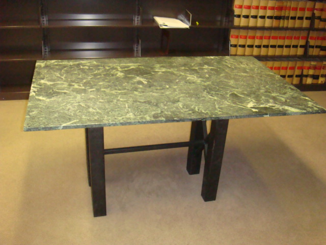 5′ X 3′ Green Marble Table