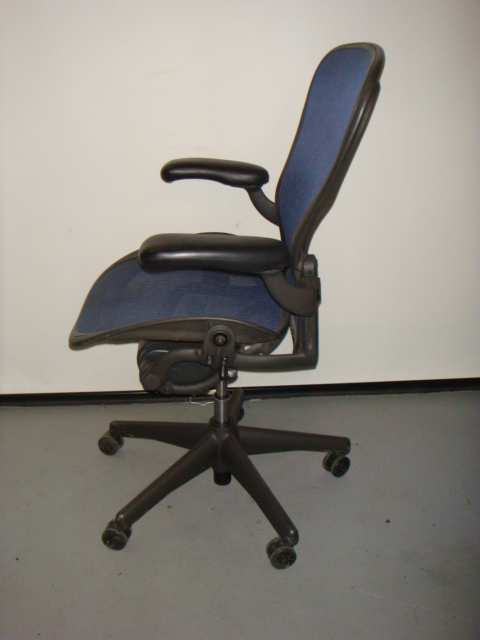 herman miller aeron chair blue mesh used office furniture dallas