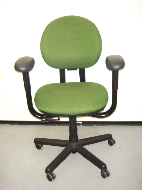 Steelcase Criterion Mid-back