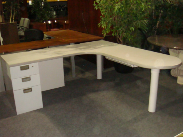 Light Gray Bullet Top L Shape Desk