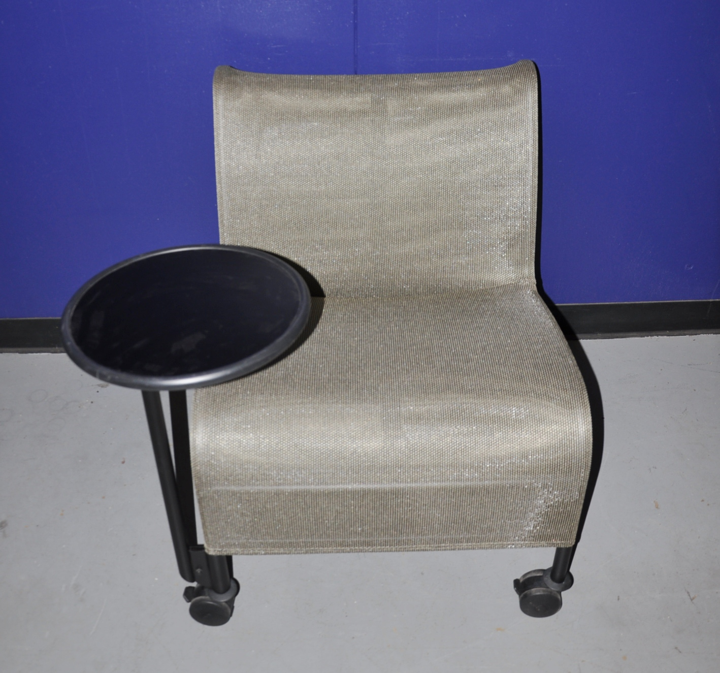 Gold Mesh Lounge Chairs W/side Table