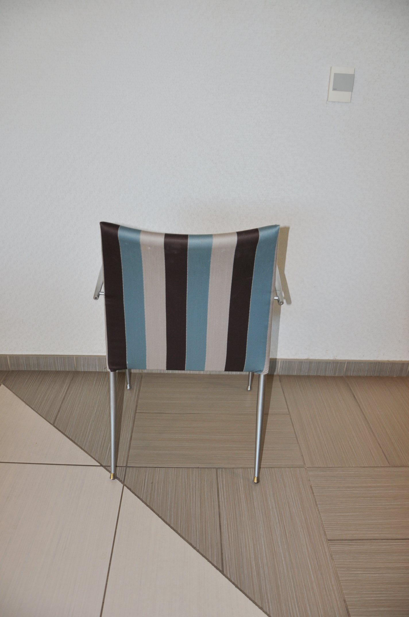 Break Room Chairs Striped Fabric Used Office Furniture