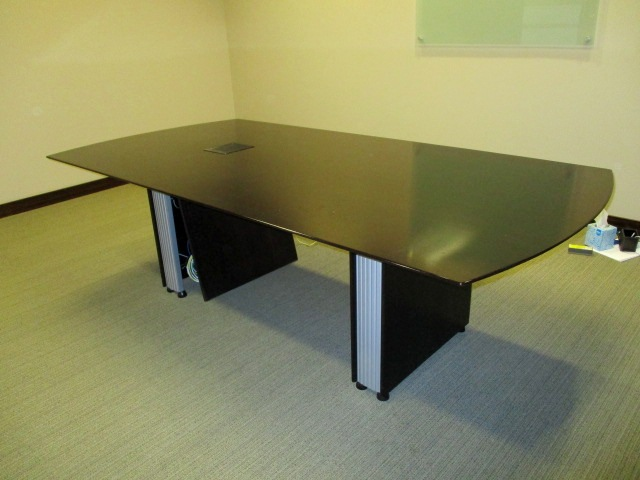 8′ X 4′ Conference Table W/power