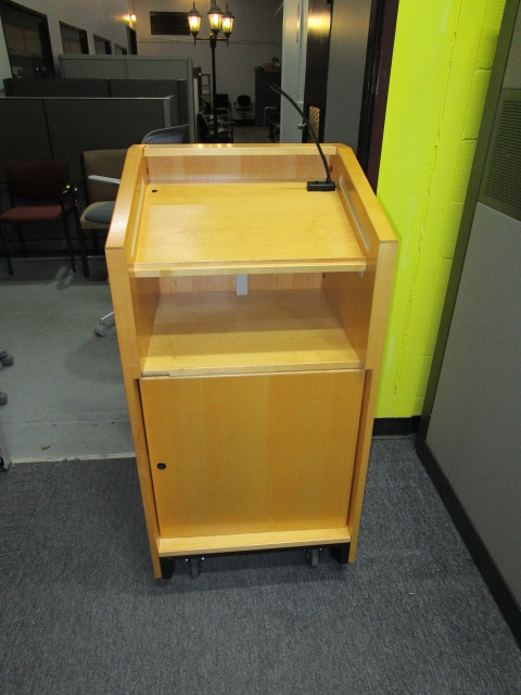 Maple Speaker Podium