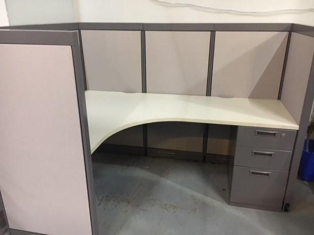 Steelcase Avenir 6′ X 4′ X 53″H