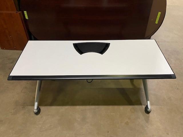 60″ X 24″ White Nesting Table W/power