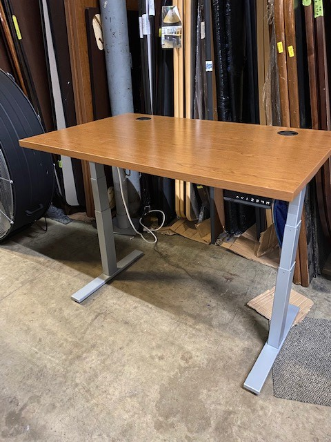 48″ X 30″ Electric Sit/Stand Tables