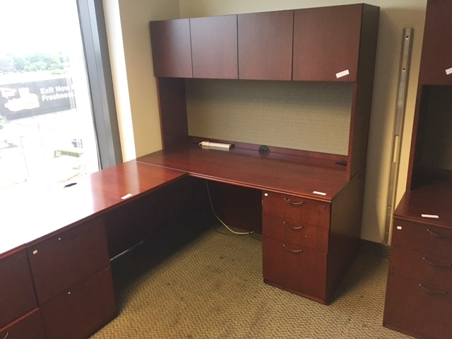 Paoli L Shape Desk W/hutch