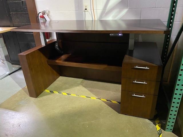 6′ X 3′ Ht. Adjustable Desk