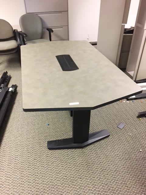 6′ X 42″ Table W/power